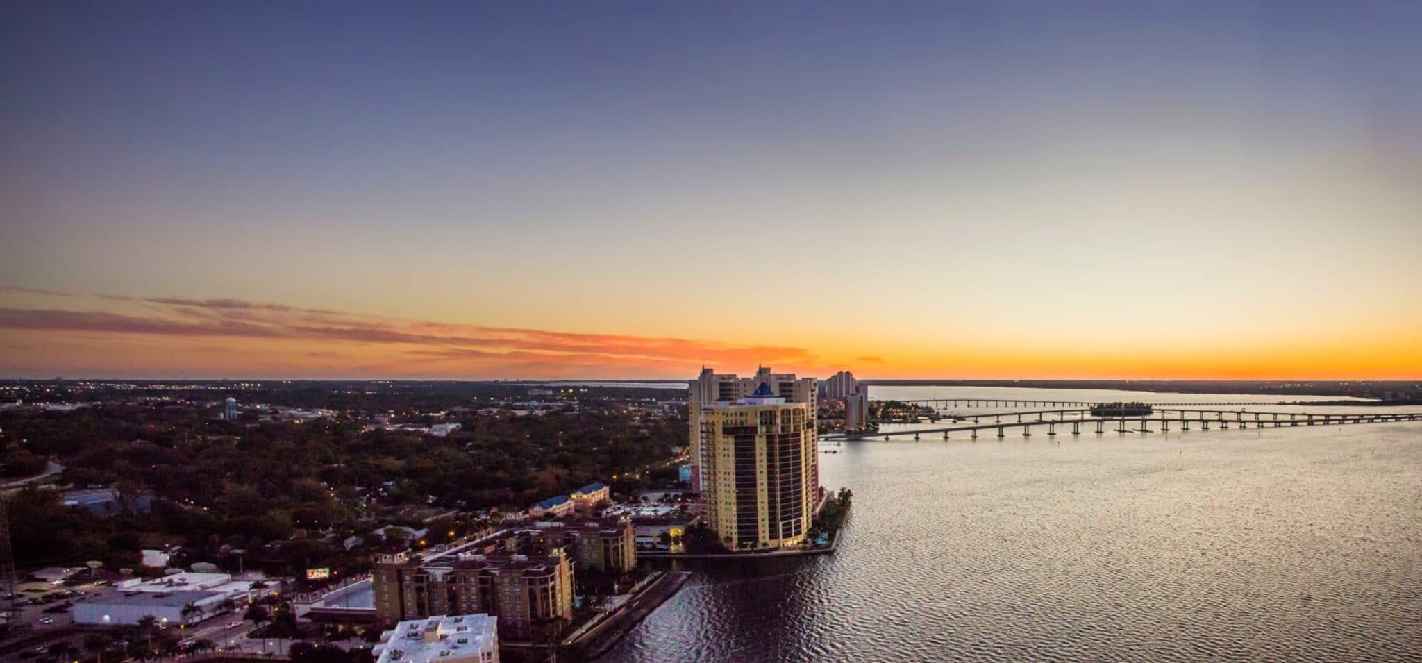 fort-myers-florida-skyline-sunset
